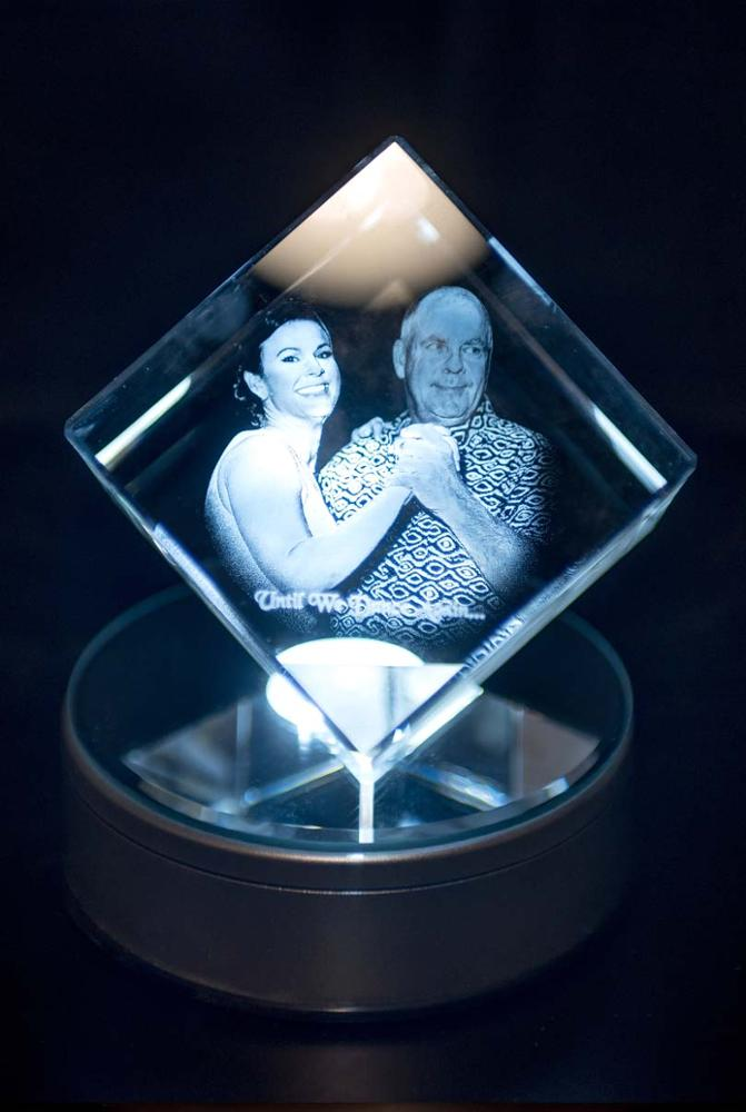 3D Floating Crystal